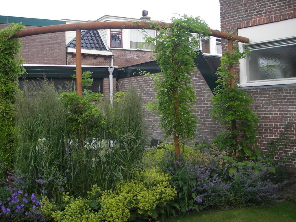 Pergola In Tuin : Mix matchtuin eigen huis en tuin